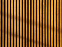 Drewniany gretingu ogrodzenie z światłem i cieniem zdjęcia stock