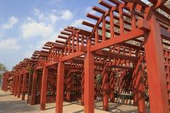 Drewniany gronowy trellis Obrazy Stock