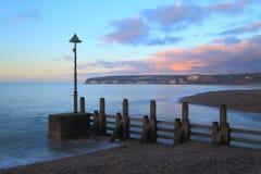Drewniany groyne na plaży Fotografia Royalty Free