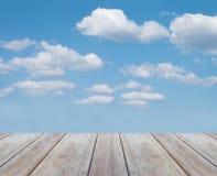 Drewniany i piękny niebo Obraz Stock