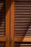 Drewniany jalousie drzwi Obraz Stock