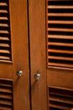 Drewniany jalousie drzwi Zdjęcia Stock