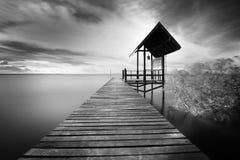 Drewniany jetty i morze Obraz Royalty Free
