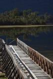 Drewniany jetty na Jeziornym Rosselot w Aysen regionie Chile Fotografia Royalty Free