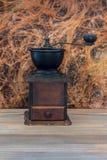 Drewniany kawowy ostrzarz Obrazy Stock