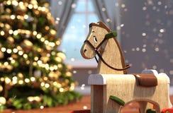 Drewniany kołysa koń dekorował w żywym pokoju w bożych narodzeniach ilustracji