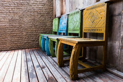Drewniany krzesła i rocznika styl Obrazy Royalty Free