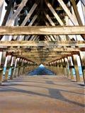 Drewniany molo ostrosłup Zdjęcia Royalty Free