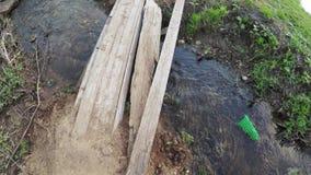 Drewniany most na małej rzece zbiory
