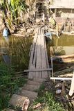 Drewniany most w wiosce fotografia royalty free