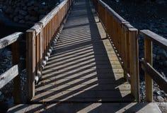 Drewniany odprowadzenie mosta rzeki jaru skrzyżowanie Obrazy Royalty Free