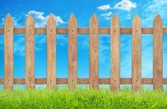 Drewniany ogrodzenie z trawą i niebem Ścinek ścieżka świadczenia 3 d ilustracja wektor