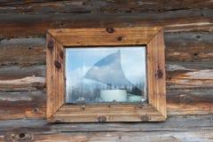 Drewniany okno w ścianie bele Obraz Stock