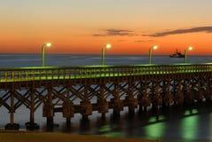 drewniany półmroku plażowy molo fotografia royalty free