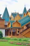Drewniany pałac tzar Aleksey Mikhailovich w Kolomenskoe odbudowie, Moskwa, Rosja Obrazy Stock