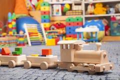 Drewniany pociąg w sztuka pokoju Zdjęcie Royalty Free
