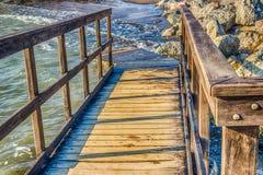 Drewniany przejście na skałach Zdjęcie Royalty Free