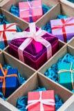 Drewniany pudełko z prezentów bożymi narodzeniami Zdjęcie Stock
