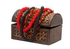 Drewniany pudełko z koralikami Obrazy Royalty Free