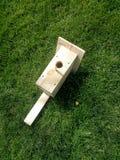 Drewniany ręcznie robiony birdhouse obrazy royalty free