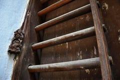 Drewniany słupa drzwi, tradycyjny drewniany drzwi w Guanzhou Obrazy Royalty Free