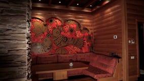 Drewniany sauna z kamiennym piekarnikiem luksusowy i śliczny wnętrze drewniany rosyjski sauna z tradycja rosjanina wzorem wnętrze Obraz Royalty Free