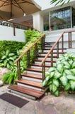 Drewniany schodowy sposób Fotografia Royalty Free