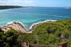 Drewniany schody pochodzi skalista linia brzegowa w Esperance, zachodnia australia fotografia royalty free