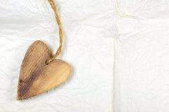 Drewniany serce na biały handmade miie papier pary dzień ilustracyjny kochający valentine wektor Obrazy Royalty Free