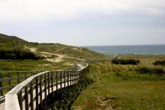Drewniany spacer w hiszpańszczyzny plaży Fotografia Royalty Free
