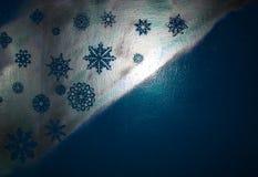 Drewniany srebny tło z błękitem i purpurami Nowy Rok, boże narodzenia, tło, tekstura Obrazy Stock
