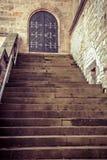 Drewniany stary drzwi i kroki Zdjęcie Royalty Free