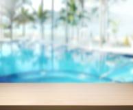 Drewniany Stołowego wierzchołka tło 3d i basen odpłacamy się Obrazy Stock