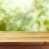 Drewniany stołu egzamin próbny w górę szablonu tła dla produktu montażu pokazu Obraz Royalty Free