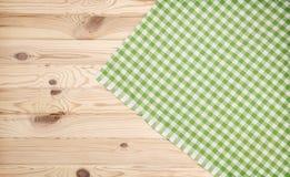 Drewniany tekstury i zieleni tkaniny tło Zdjęcie Royalty Free