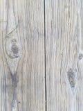 Drewniany tekstury tło, zbliżenie stół outdoors Pionowo deski z drzewnymi kępkami Powierzchnia dwa sekcji zdjęcia stock