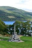 Drewniany Trebuchet na ziemiach Na zewnątrz Urquhart kasztelu Fotografia Royalty Free