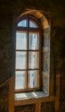 Drewniany łukowaty okno Fotografia Royalty Free