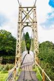 Drewniany zawieszenie mosta przejście zdjęcie stock