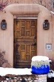 Drewniany Zewnętrzny Entryway w Santa Fe, Nowym - Mexico Obrazy Stock