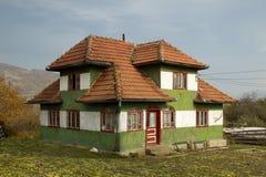 Drewniany zielony dom Obraz Royalty Free