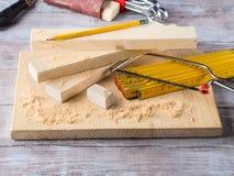 Drewno i narzędzia dla mierzyć tnącego poziom DIY wykonujemy ręcznie Obrazy Royalty Free