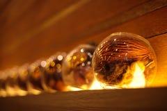 Drewno i suszy kwiaty w szklanych słojach jako * dla domowej dekoraci Zdjęcia Royalty Free