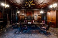 Drewno Kasetonowa biblioteka Nowy Jork - Zaniechany Tioranda dwór, szpital i - zdjęcia royalty free