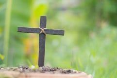Drewno krzy? lub religia symbolu kszta?t zdjęcia royalty free
