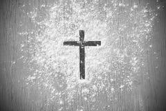 Drewno krzy? lub religia symbolu kszta?t zdjęcia stock