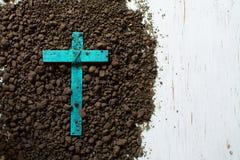 Drewno krzy? lub religia symbolu kszta?t obrazy stock