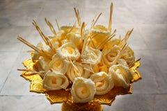 Drewno kwiaty umieszczający przy kremacją Obrazy Stock