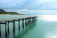 Drewno most nad morzem Zdjęcia Stock