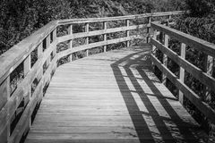 Drewno most w czarny i biały Obrazy Royalty Free